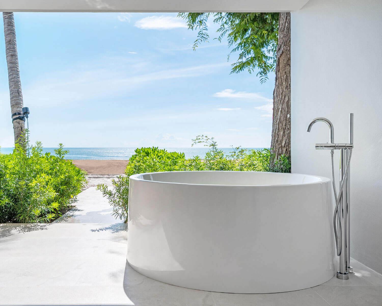 Private outdoor bathtub